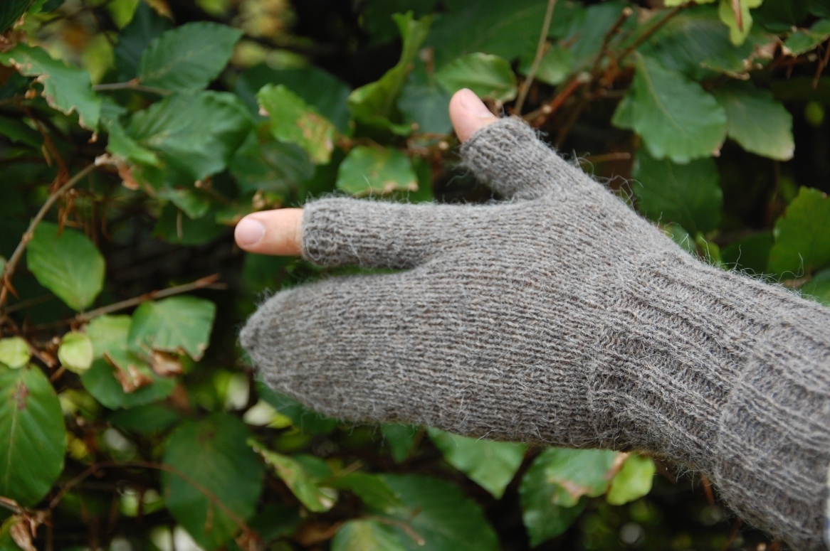 Rifleman's gloves 2014-09-30 003